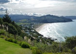 Blick von Paku Hill auf den Strand von Tairua. Foto: Copyright Dietmar Gerster