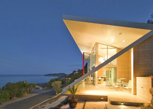 A lateral view of the New Zealand Villa by night