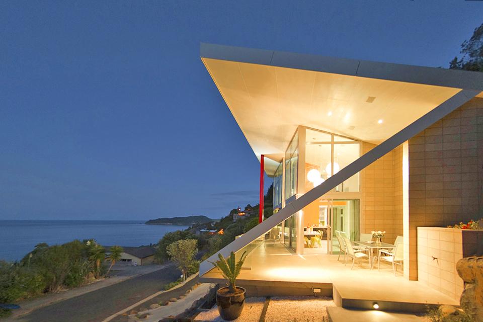 Immobilien In Neuseeland seitenansicht bei nacht | haus am meer in neuseeland kaufen
